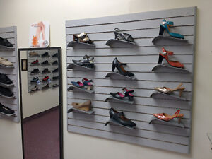 Shoe Store Closing. All Shoes/Store fixture must go! FINAL WEEK! Windsor Region Ontario image 3