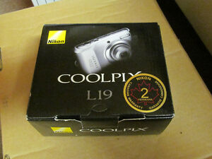 Nikon CoolPix L19 Digital Camera