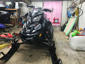 2016 800 MXZ XRS MINT CONDITION LOTS OF EXTRAS
