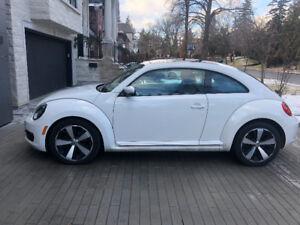 2012 Volkswagen Beetle Coupe (2 door)