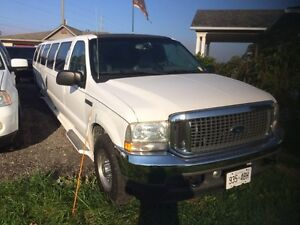 Ford Excursion SUV Stretch Limousine 18 passenger. LimoGuy.ca