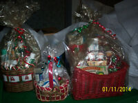 Christmas baskets, wreaths and other gift ideas