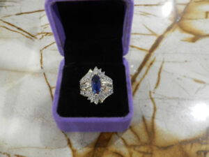 Gorgeous 3ct Genuine Blue and White Sapphire Ring 10K Sz7