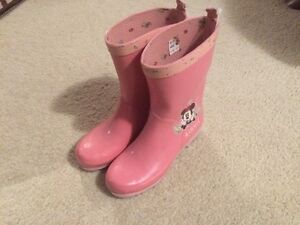 Brand new Minnie mouse pink rain boots - Size 2