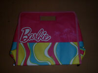BARBIES CARRY ON CASE/JUST LIKE NEW