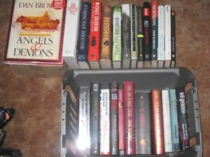 LOT OF 25 BOOKS IN EXCELLENT CONDITION
