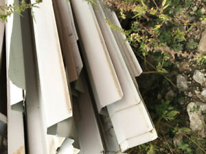 Steel siding white.  About 200 pc