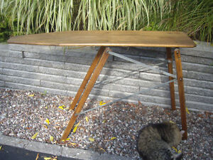 2 IRONING BOARDS -CONSOLE TABLES/ PLANCHES A REPASSER