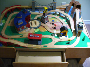 Imaginarium Train Table including Track, Buildings and Accessori