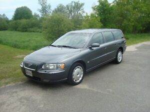 2006 VOLVO V70 AWD 2.5L TURBO $5000 TAX'S IN CHANGED INTO UR NAM