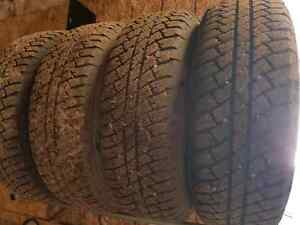 2015 factory jeep rims and tires  Peterborough Peterborough Area image 2