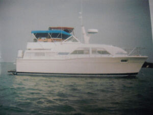 35' Chris Craft Catlina
