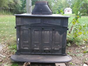 FRANKLIN VINTAGE WOOD STOVE