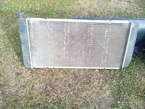 Aluminum radiator out of 1996 GMC K10 4x4 automatic