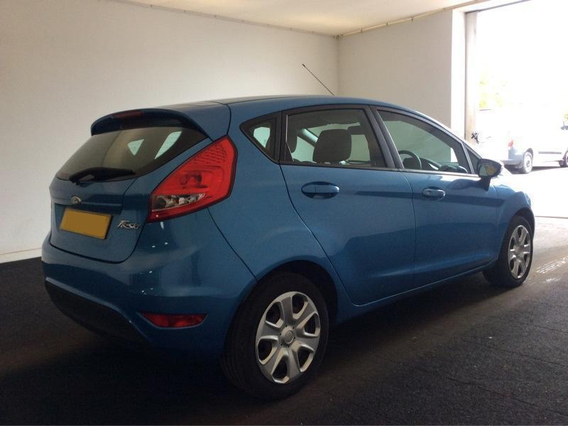 Ford Fiesta   Edge Zetec Titanium Dr Blue From  Per Week