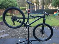 Medium Specialized Stumpjumper FSR Comp 29 2017 Mountain Bike