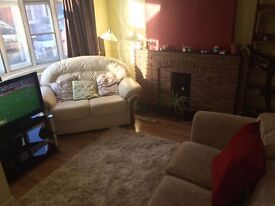Bright room in house share Market Harborough LE16 £500 PCM (BILLS INCLUDED)