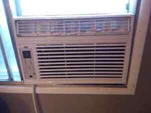 8000BTU Air conditioner, used one ONE summer