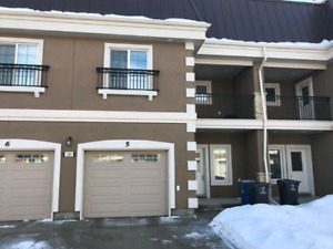 3 bedroom townhouse on Pembina hwy