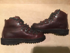 Women's Danner Gore-Tex Hiking Boots Size 6 London Ontario image 6