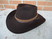 AKUBRA SNOWY RIVER PURE FUR FELT HAT SIZE 58 (7 1/2) BROWN WITH