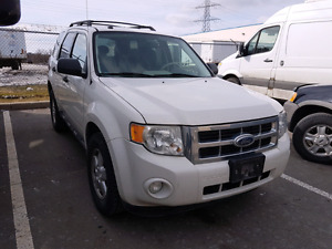 2009 Ford Escape XLT with safety & Emission