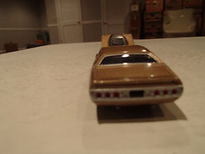 Loose Greenlight AUCTION BLOCK - 1971 '71 DODGE CHARGER R/T Gold Sarnia Sarnia Area image 3