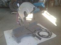 Makita 2403B, 255 mm Miter Saw