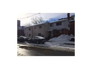6 Bedroom House Less than 3 Blocks to Ottawa U - Canal/Elgin