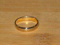 PRICE REDUCED: 10k gold comfort fit band, size 8.75