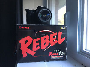 Caméra Canon T2i. Comme neuf! (KIT COMPLET)