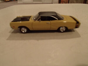 Road Champs 19691/2 Dodge Super Bee Six Pack 1/43 Scale Diecast