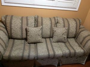 3 piece sofa/couch set with cusions (Total 6 seater)URGENT SALE