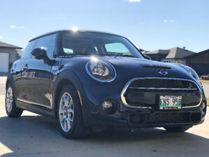 2015 MINI Cooper S Loaded, twin turbo, 6spd Std Coupe