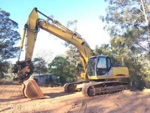 Excavator Sumitomo SH240 Gympie Gympie Area Preview