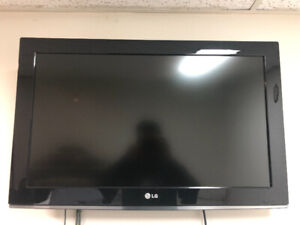 32 LG TV+ Wall mount + Stand+ Remote