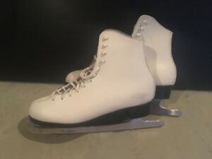 Women skates size 9, in great condition
