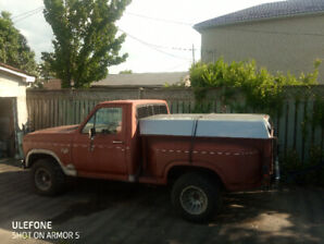 1986 FORD F150 FLARESIDE  4X4 MANUAL EFI 5.0I