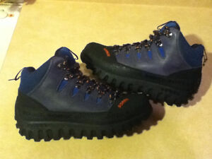 Women's Sorel Waterproof XT Forest Hiking Boots Size 6 London Ontario image 1