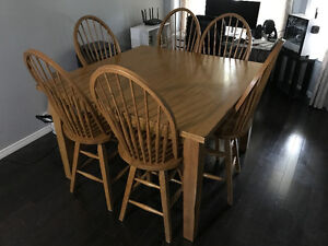 Beautiful 7 Piece Solid Oak Bar-Style Dining Set