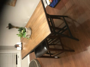 Dining table + stools