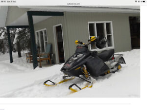 Ski-doo Rev 600HO 2003, 2000$ négociable