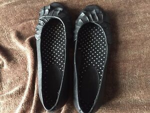Shoes - women's size 7 Peterborough Peterborough Area image 4