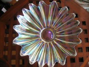 OUTSTANDING VINTAGE IRIDESCENT CLEAR CARNIVAL GLASS CENTERPIECE