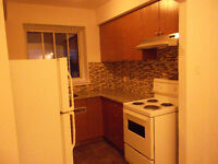 Renovated clean 4 1/2 in NDG close Monkland Village (September)