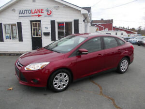 2013 Ford Focus SE Sedan VERY SHARP CAR! Well equipped