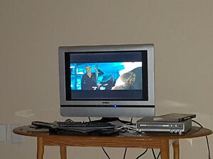 TV ON SALE TODAY!!!! MINT CONDITION 19 LCD
