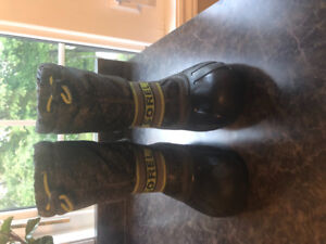 Boys Sorel Winter Boots! Size 13 and in great condition.
