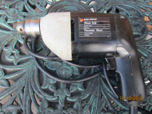 Drill / perceuse/10 mm.