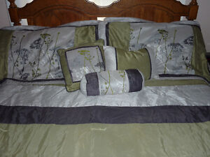 Comforter - Bed in a Bag Set Strathcona County Edmonton Area image 2